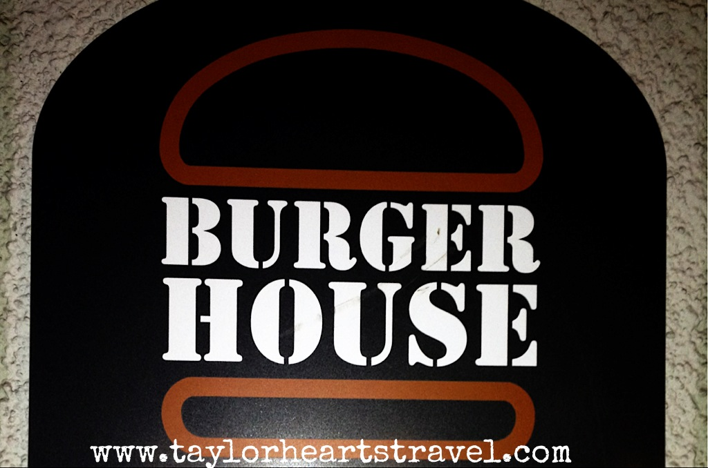 the burger house in munich taylor hearts travel. Black Bedroom Furniture Sets. Home Design Ideas
