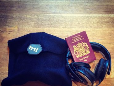 trtl, Turtle, TRTL, Review, Travel Pillow, Travel scarf, black trtl, 2014, review, travel blog