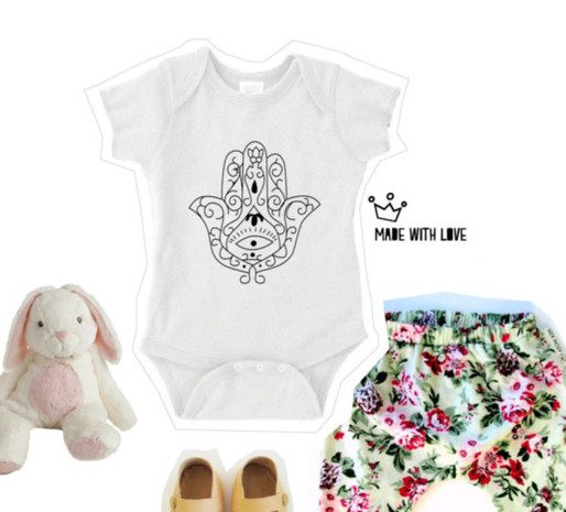 baby fashion, explorer, baby, cute, Hasma, Hasma Hand, Baby grows, baby onesies, travel, baby onsie, Blog, Review, Travel Lifestyle Blog, Taylor Hearts Travel