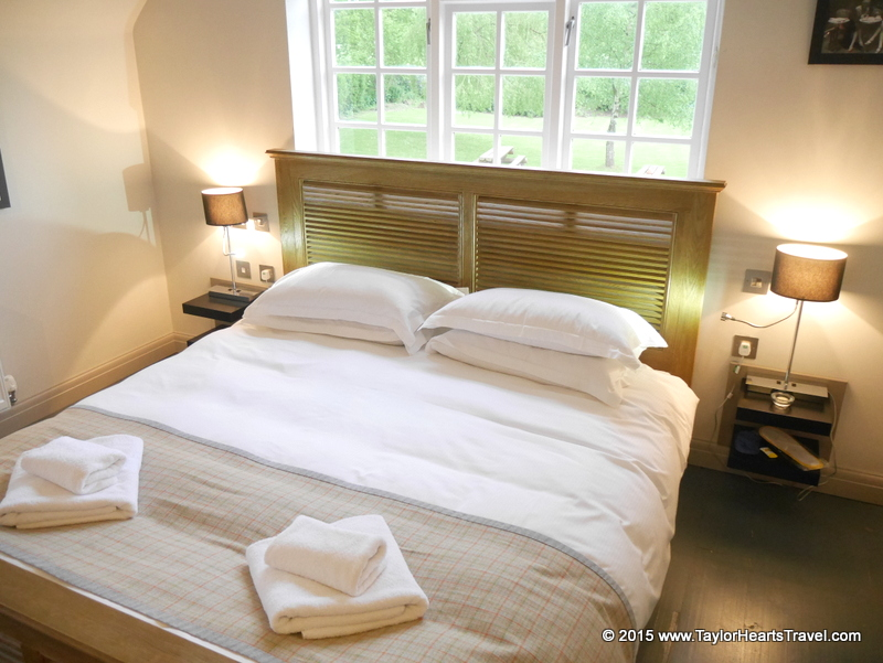 Old House Inn, Old House Inn Gatwick, Gatwick, Gatwick Hotels, Gatwick Hotel, Gatwick hotel and parking, boutique, stylish, review