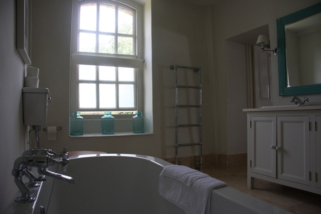 the Rectory Hotel, Cotswolds, The Cotswolds, Stylish Weekend Break, Stylish, Hotel, Review, 2014, Country, England, Bathroom, Leckhampton