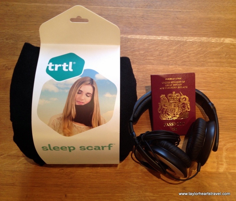 Gifts for travellers, trtl, Turtle, TRTL, Review, Travel Pillow, Travel scarf, black trtl, 2014, review, travel blog