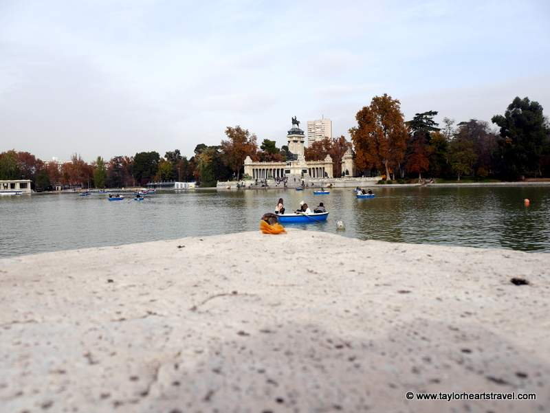 El Retiro Park, spain, Retiro park Madrid, Madrid, Retiro Park, Lake, row boats, boats, birds, photography, photos