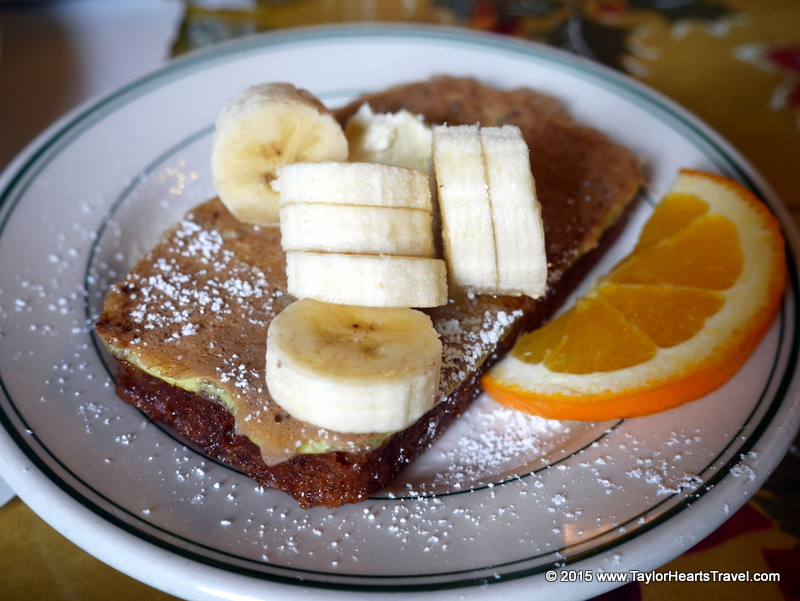 breakfast in san francisco, Mama's, French toast, best breakfast san Francisco, Mamas San Francisco, Restaurants san Francisco, san Francisco, restaurants in san Francisco, Review, Travel lifestyle blog, Travel Blog, Taylor Hearts Travel, Travel Food blog,  French toast