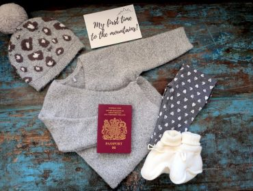 baby travel checklist, holiday packing list, travel essentials list, What to pack, Ultimate Packing list, family travel, toddler packing list, wool booties, merino wool boots, baby booties, baby thermals, lana bambini