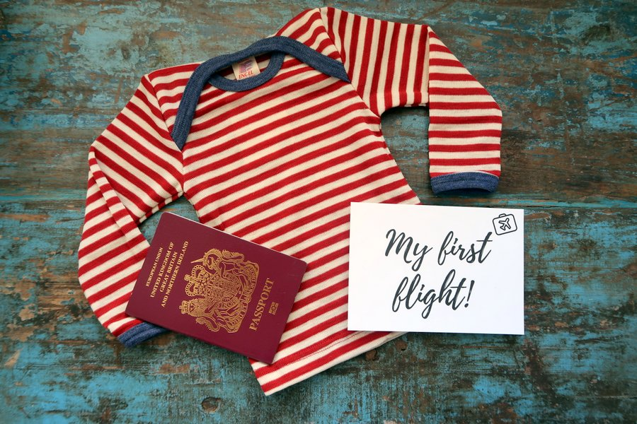 baby travel checklist, holiday packing list, travel essentials list, What to pack, Ultimate Packing list, family travel, toddler packing list, baby thermals, lana bambini
