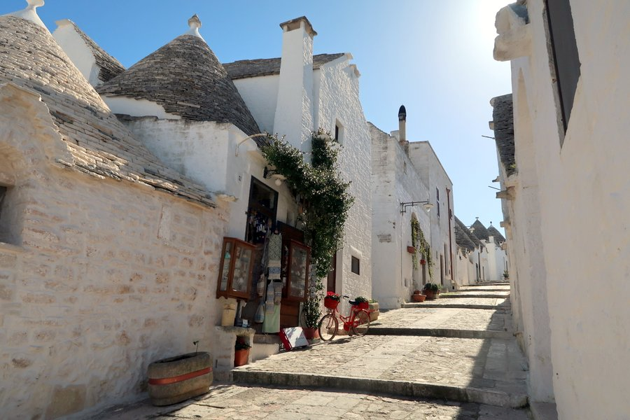 Puglia Holidays, Raro Villas, Bookings For you, Family Travel Blog, Family Travel Vlog, Taylor Hearts Travel, Puglia, Family holidays in Italy, Puglia Villa, alberobello