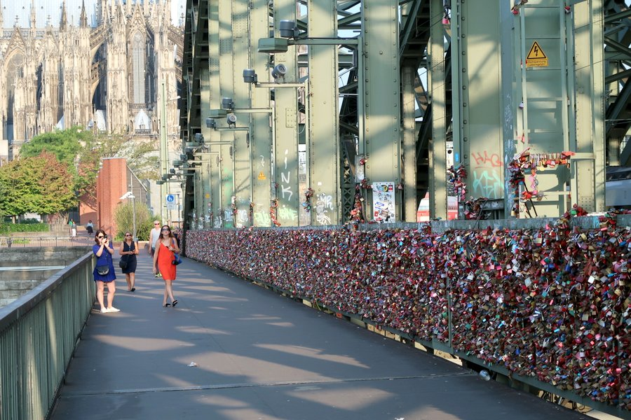 Things to do in Cologne - Hohenzollern Bridge